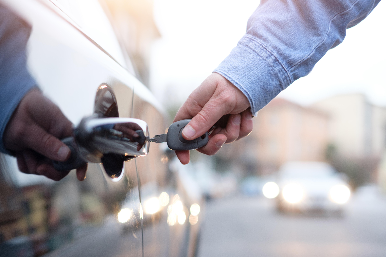 Як захистити транспорт від крадіжки: поради для власників автомобілів, велосипедів та мотоциклів