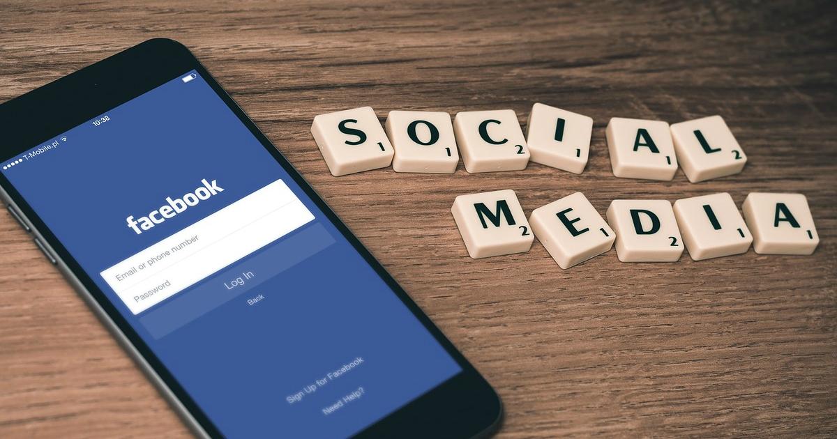 Facebook і Instagram почали приховувати пости від російських користувачів