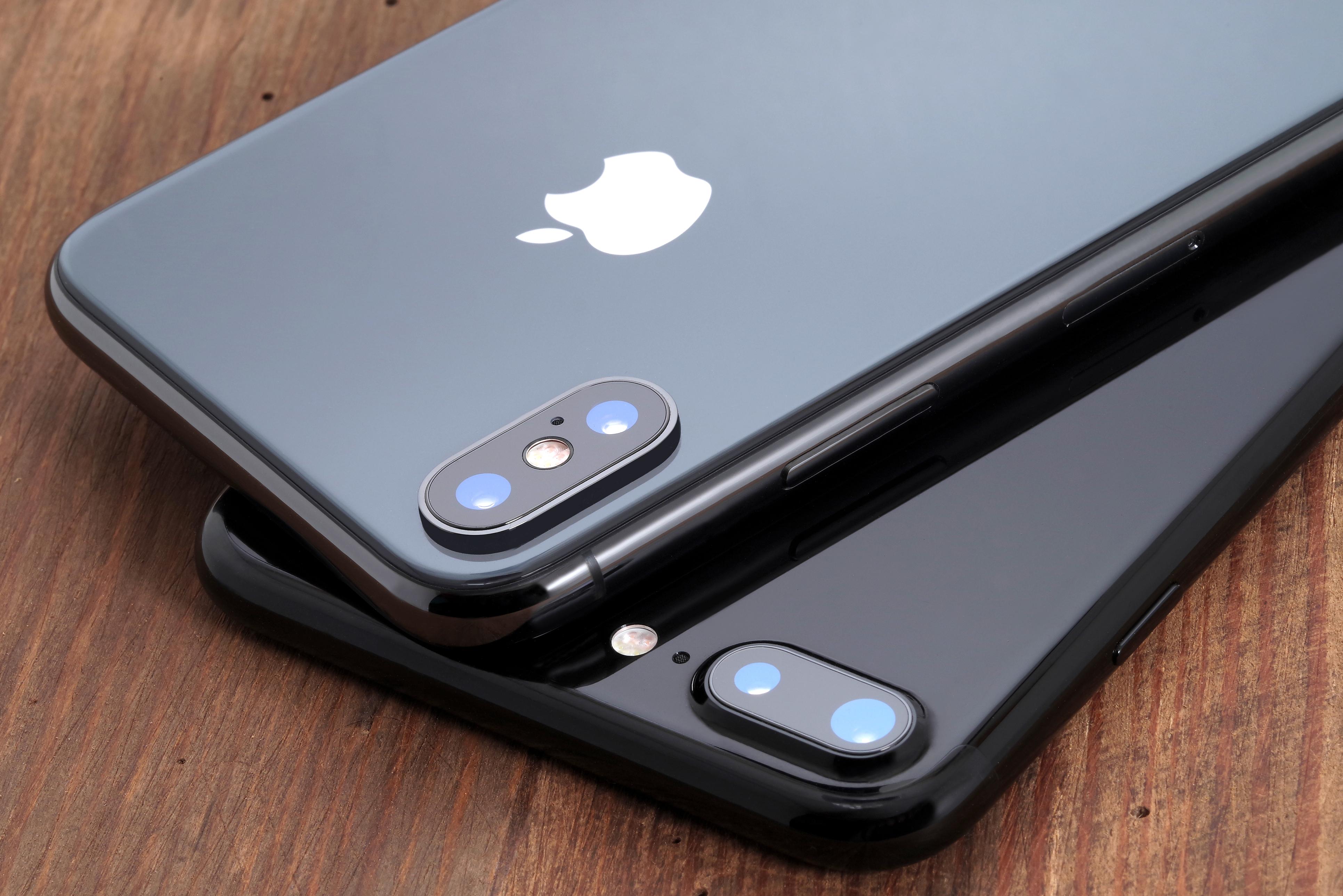 Apple відновлює виробництво iPhone X з-за поганих продажів iPhone XS