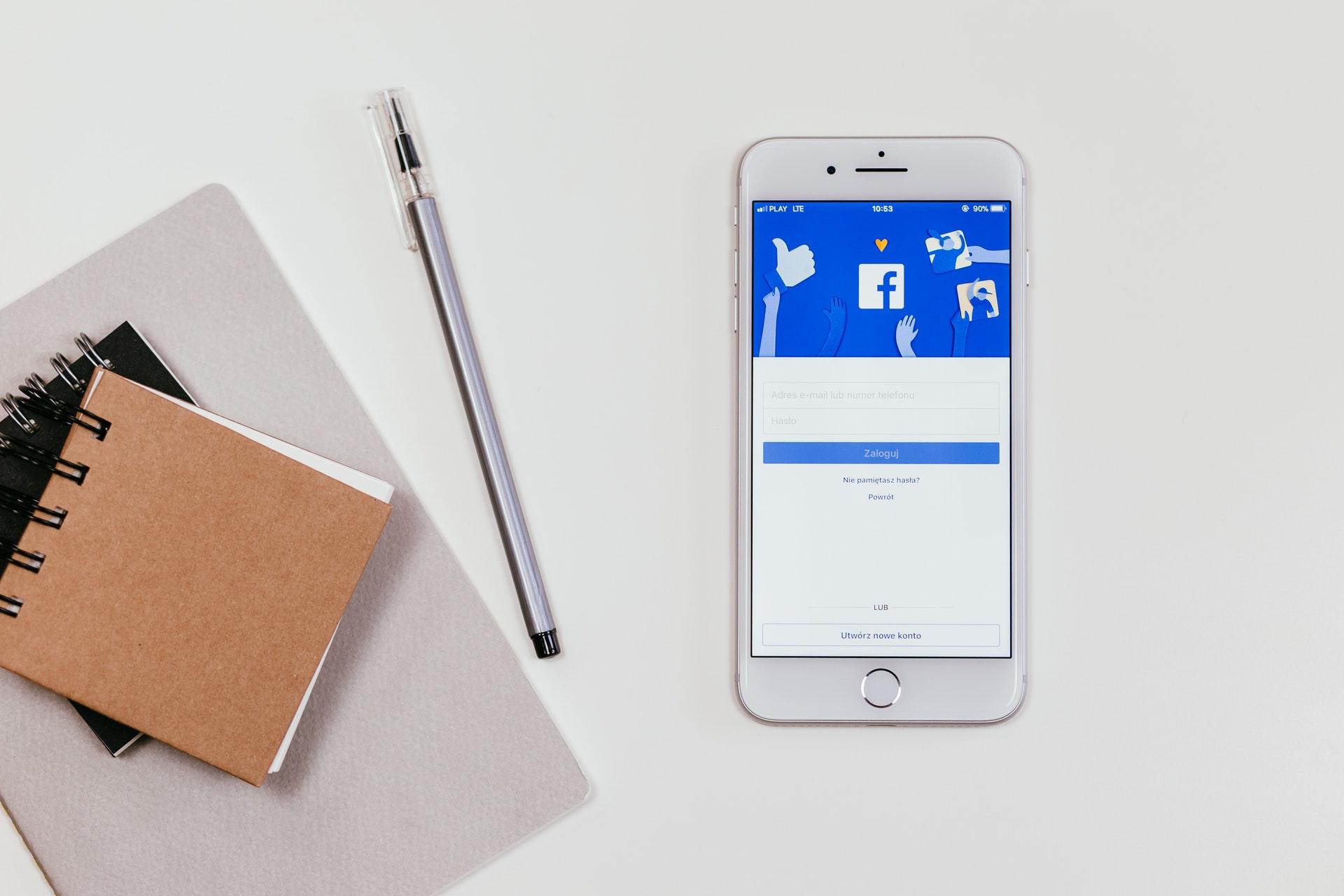 Марк Цукерберг наказав усім керівникам Facebook використовувати телефони Android