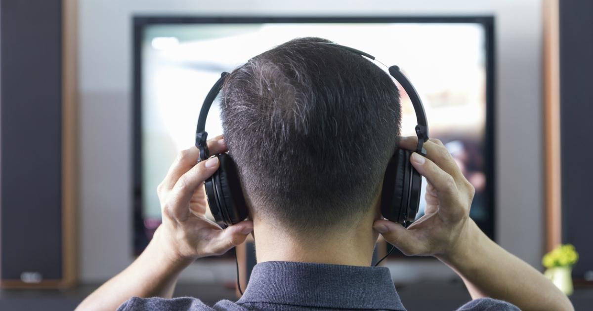 Бездротові навушники для телевізора: топ-10 кращих