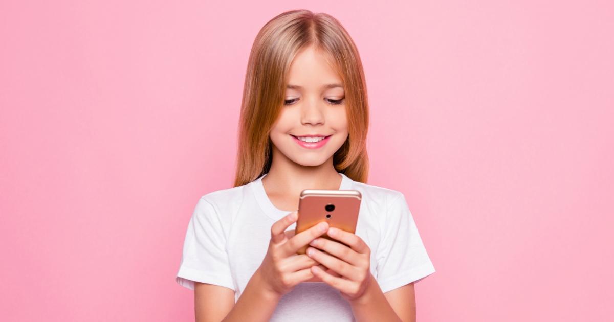 Як вибрати телефон для дитини: 5 важливих нюансів