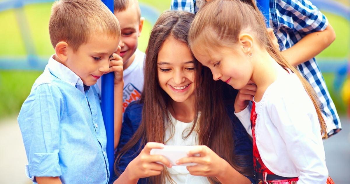 «Сімейний зв'язок» Google дозволить батькам віддалено контролювати використання смартфона дитиною