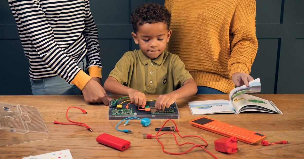 Комп'ютерний комплект Kano Touch дозволяє дітям будувати і кодувати їх власний планшет