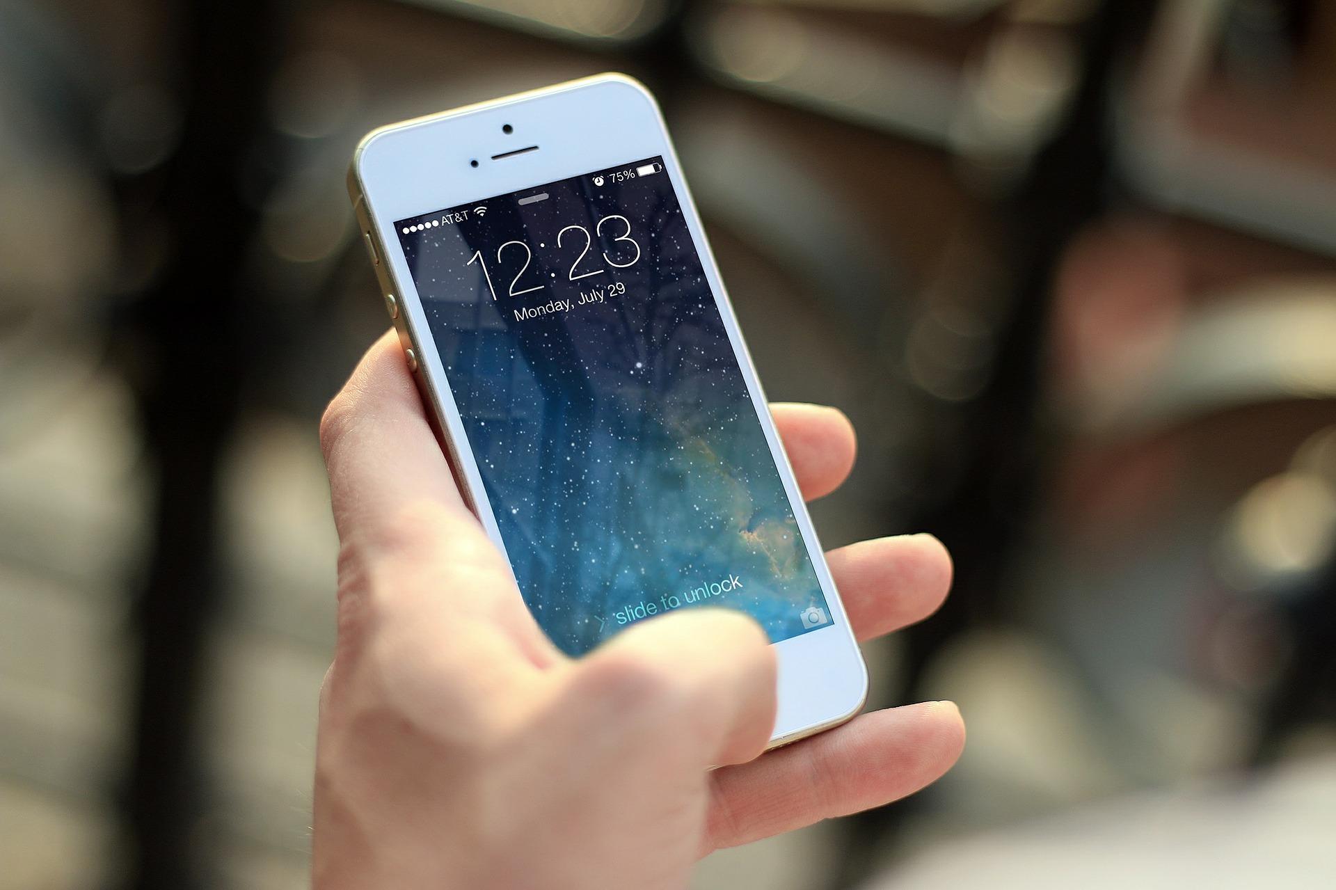 Чому додатка, залежні від GPS, вбивають батарею вашого смартфона