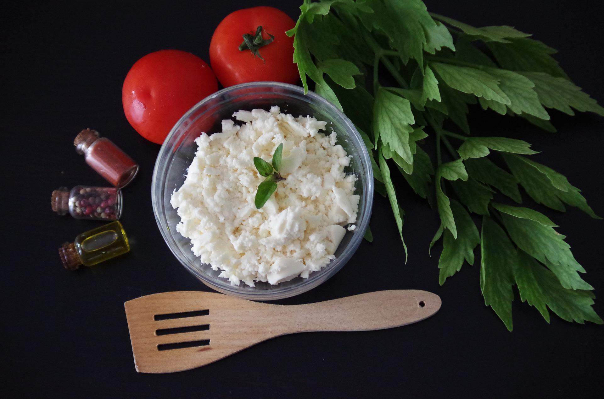 3 небанальних страви з бринзою із закарпатської, словацької та турецької кухні