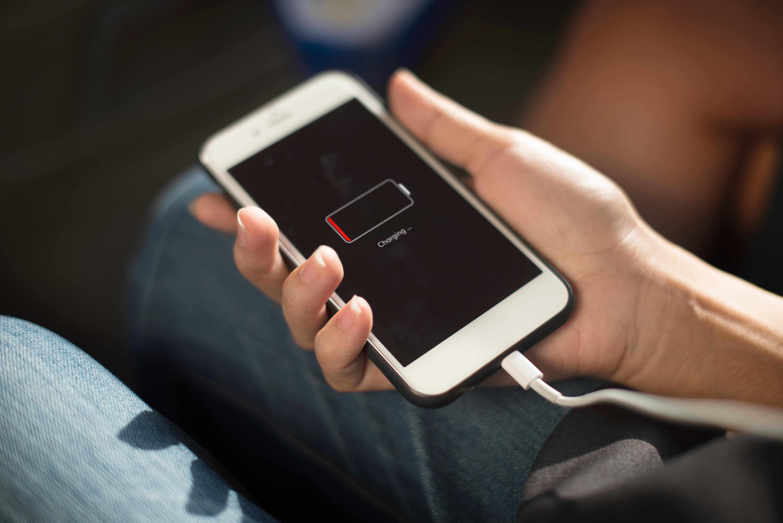 Поради щодо правильної зарядки телефону, які продовжать життя акумулятора