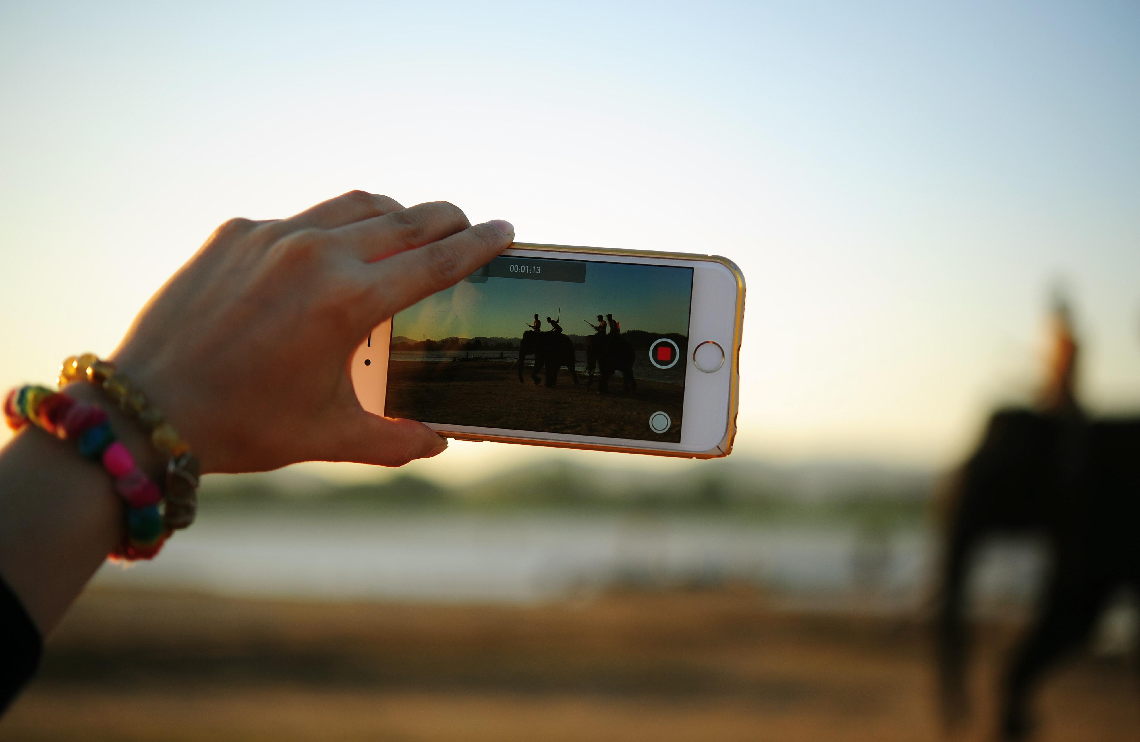 10 безкоштовних додатків для створення слайдшоу на смартфоні