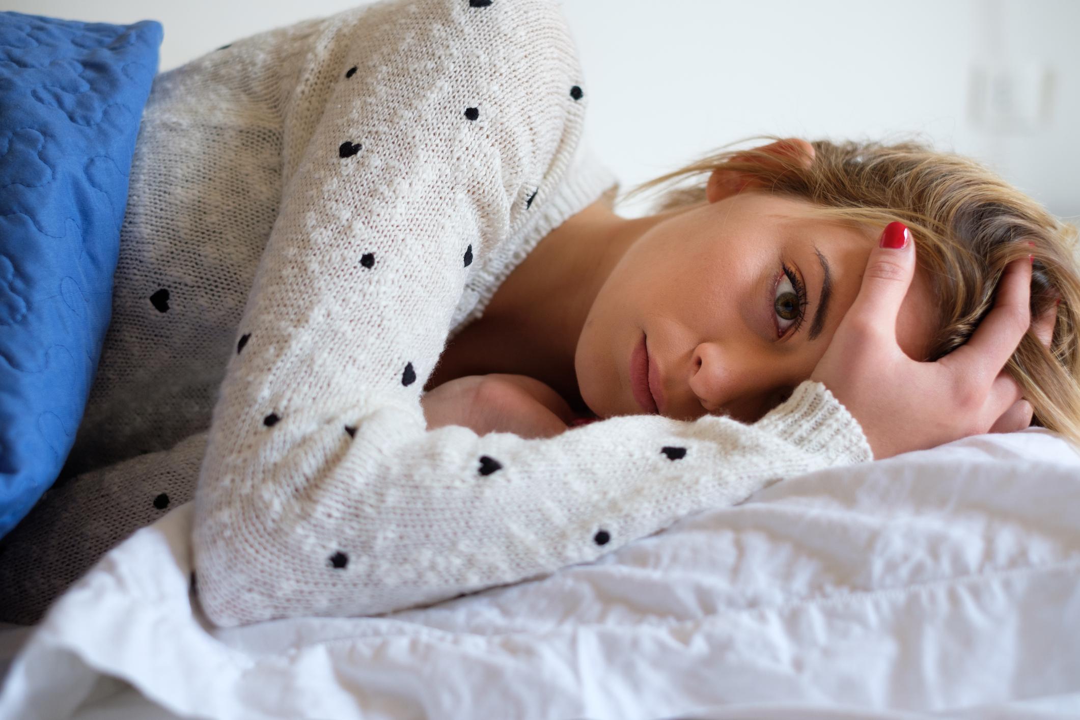 Чому болить голова: причини виникнення та домашні методи лікування