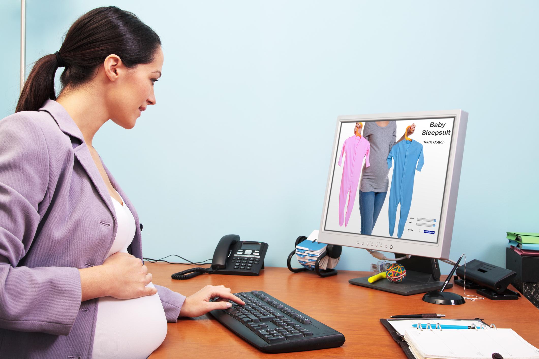 Як почати продавати дитячий одяг через інтернет: специфіка і поради