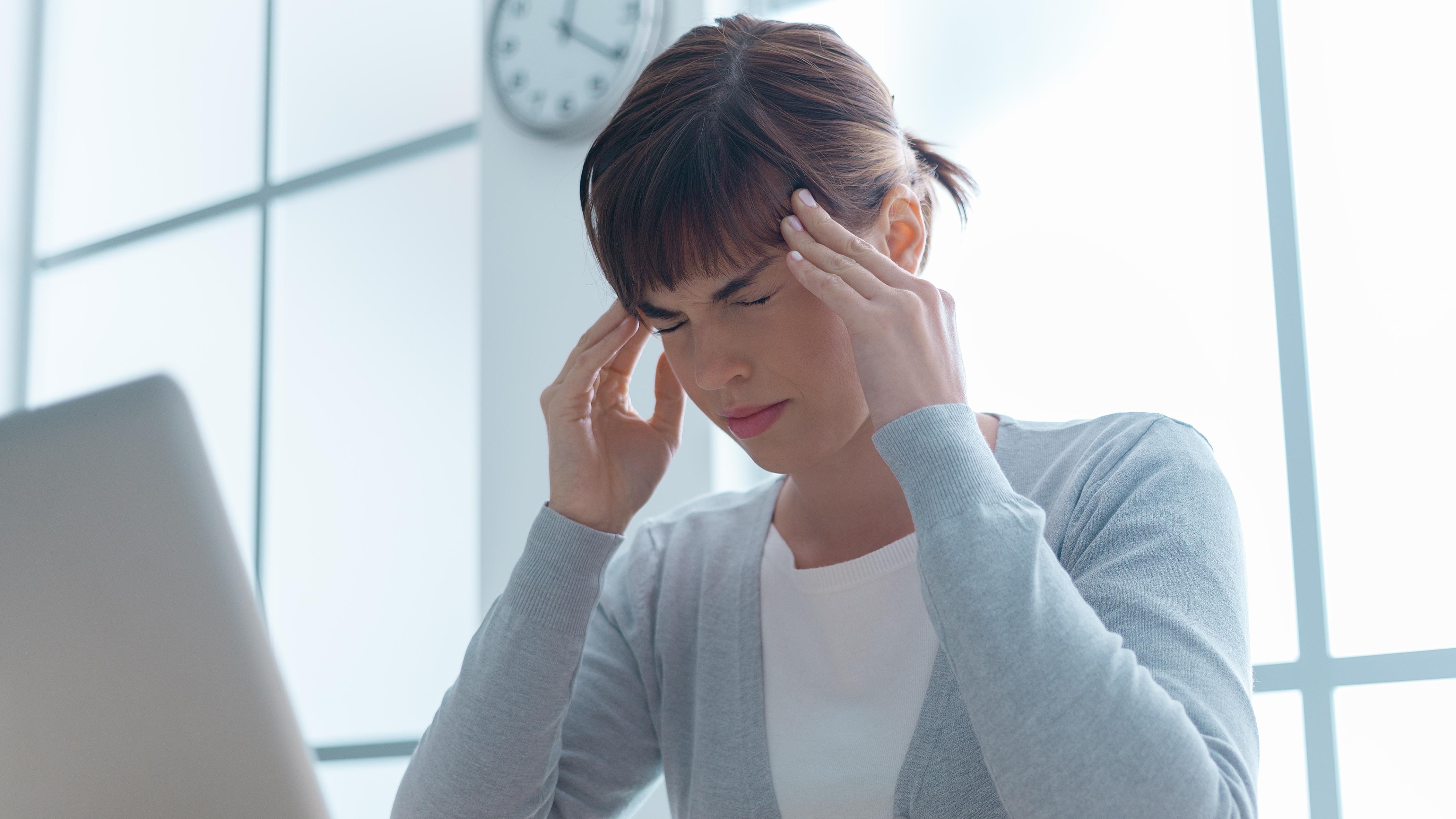 Чому болить голова в скронях: пояснення гарвардських вчених