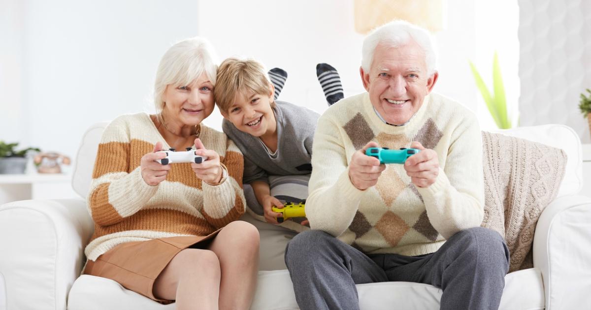 Болить поперек – спробуйте відеоігри: вчені виявили новий спосіб лікування для літніх людей