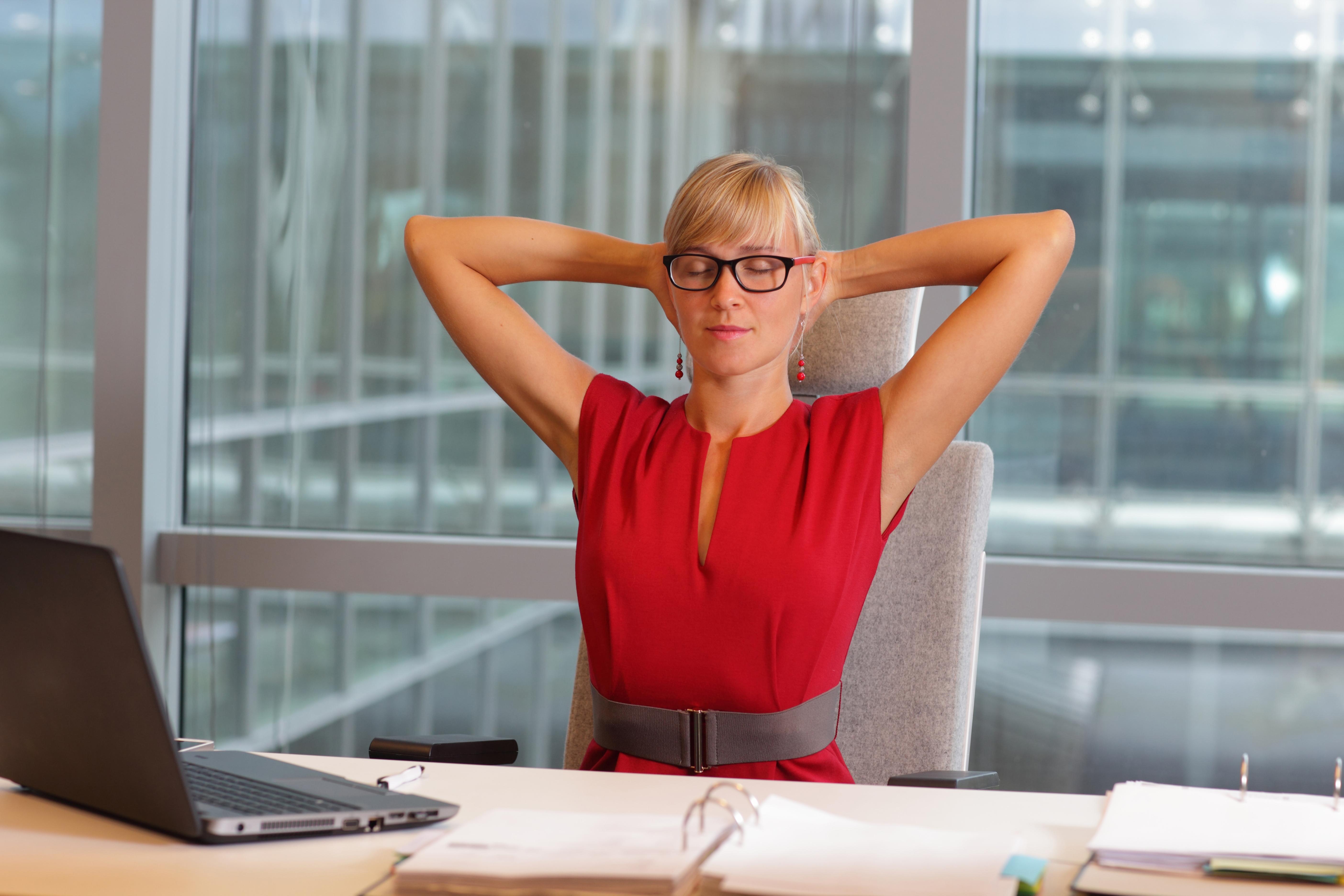Як контролювати свої емоції в офісі