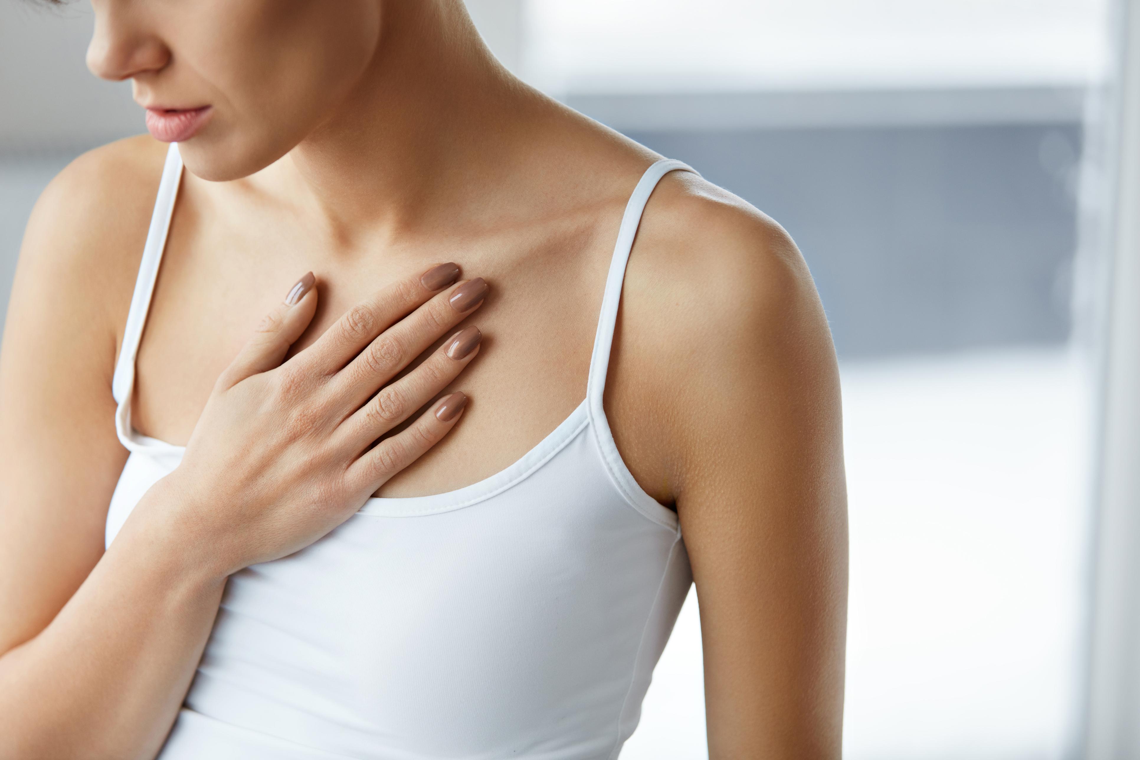 Як просто й ефективно позбутися від висипань на грудях