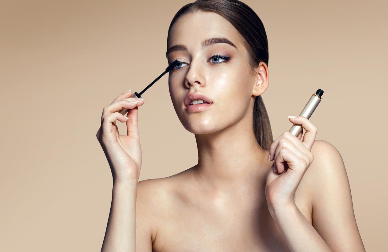Як використовувати сироватку і туш разом для кращого макіяжу вій