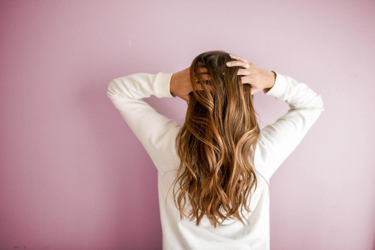 Як зупинити випадіння волосся: домашні методи