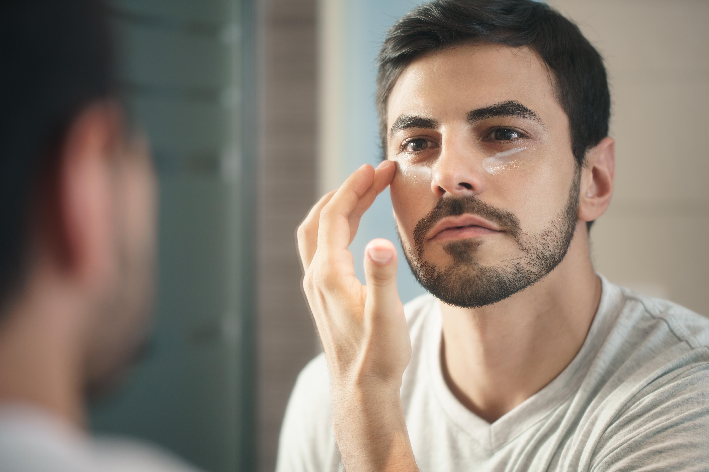 Як вибрати чоловічий крем під очі: огляд кращих препаратів