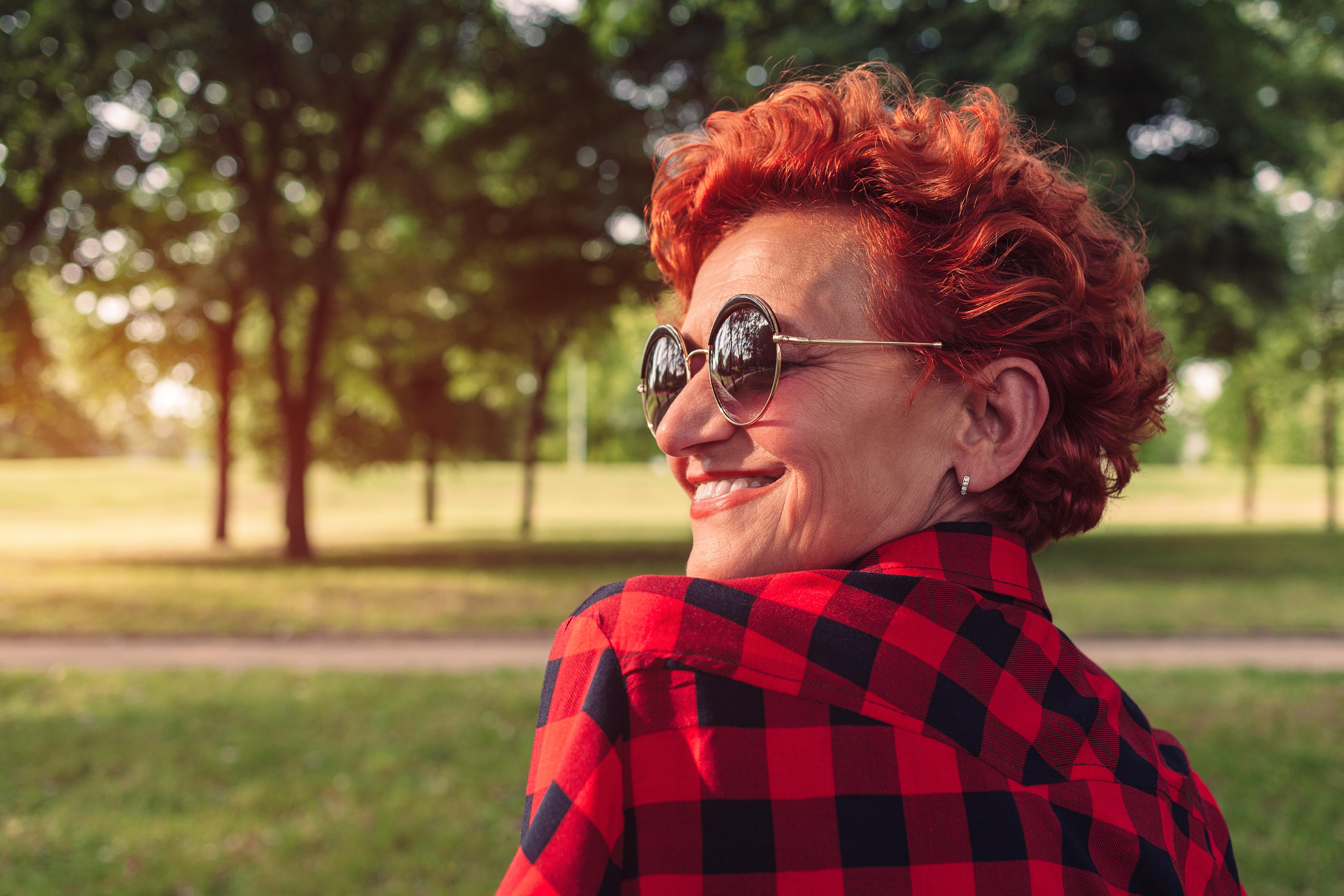 Стрижки, які молодят після 60 років: модні образи на будь-який смак