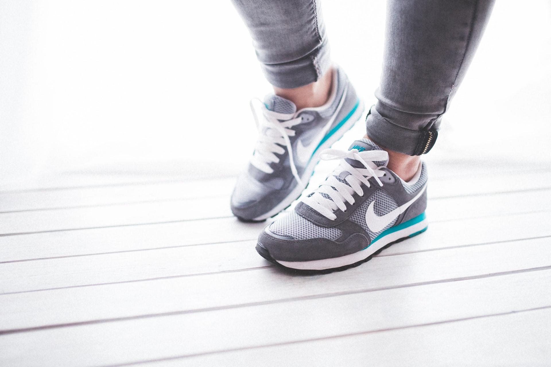 Популярні моделі кросівок, які варто придбати цієї осені