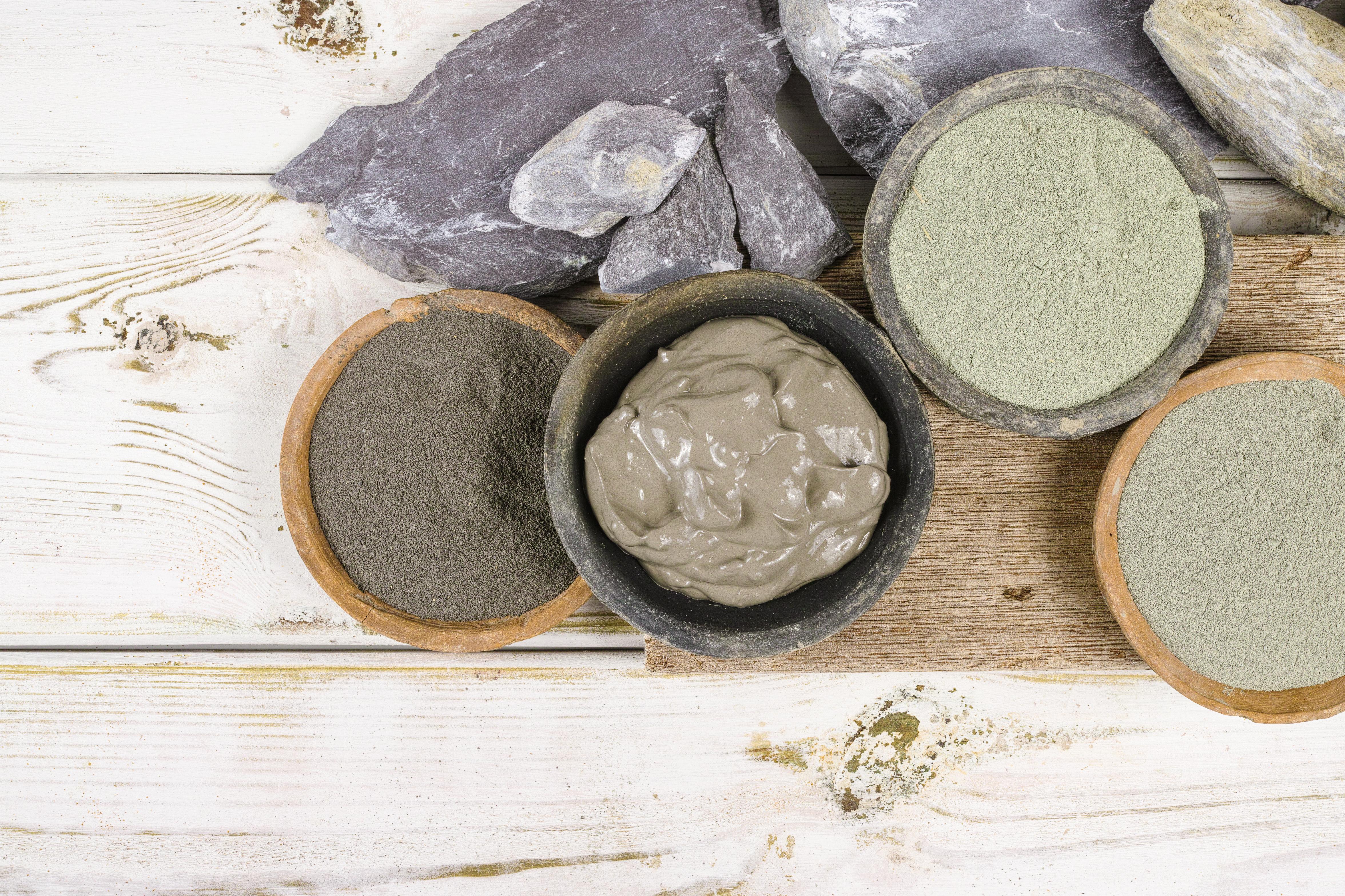 Як використовувати глину для процедур краси на дому
