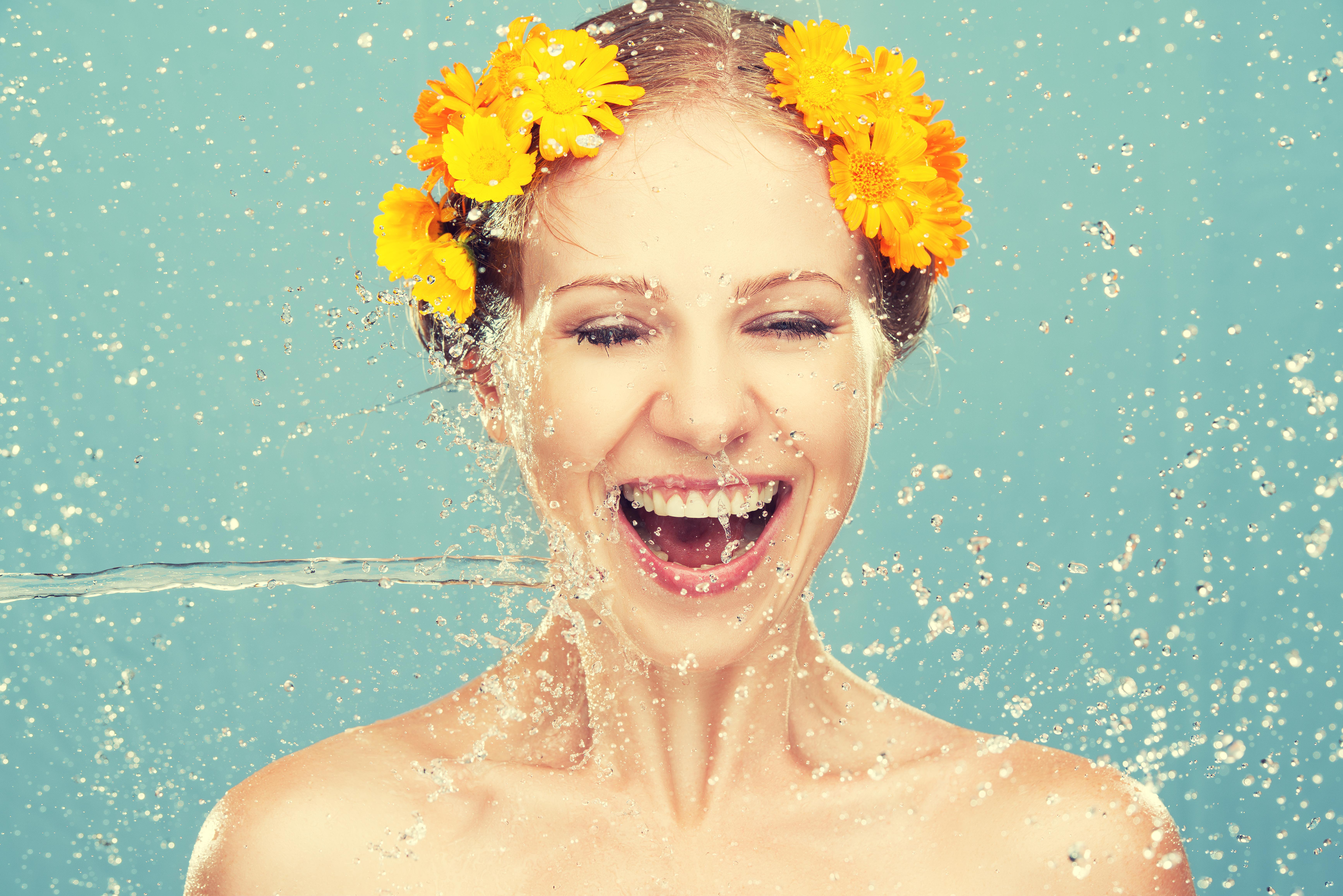 Дерматологи назвали один тип кислоти, який потрібен усім жінкам