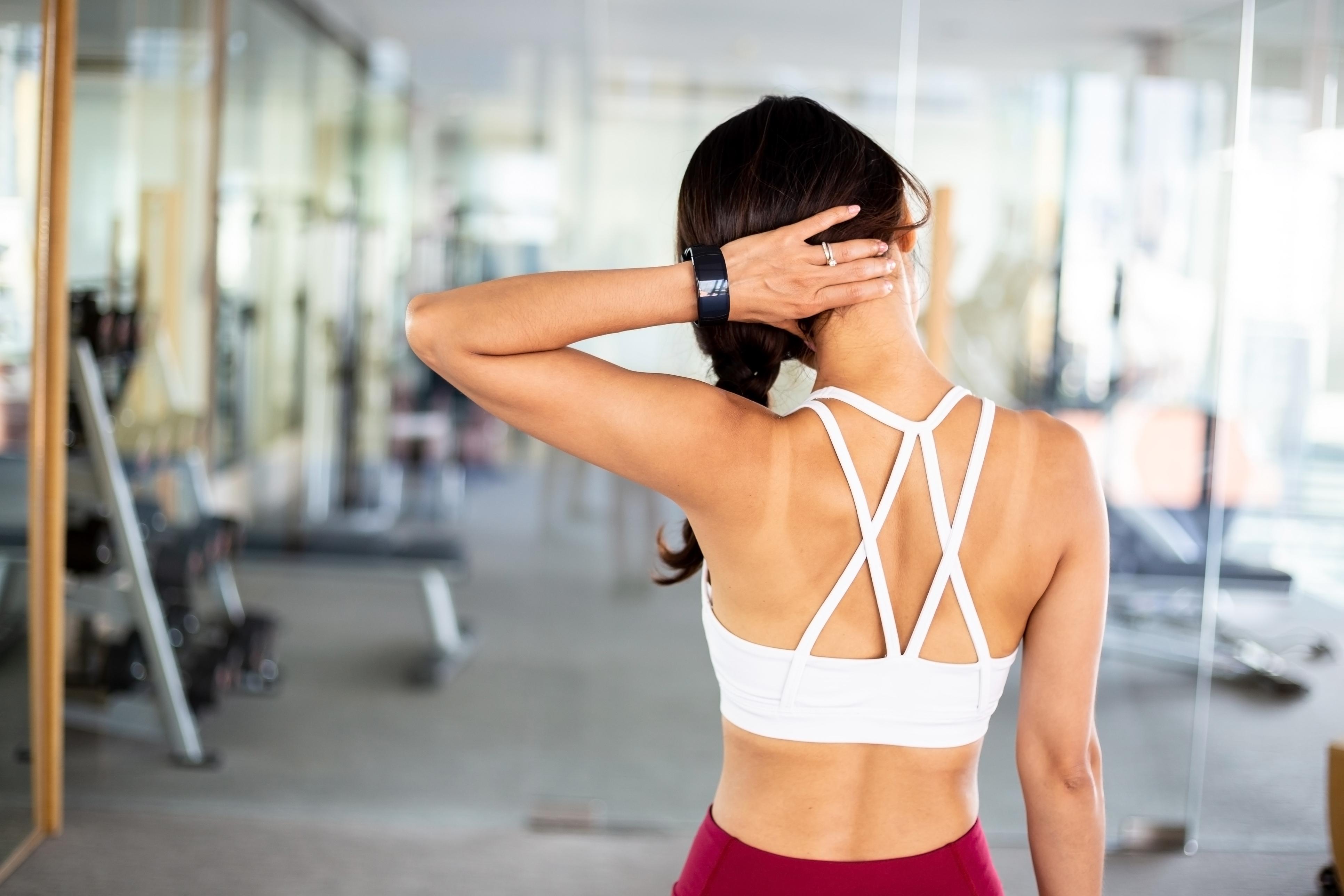 Як накачати шию: поради та тренування для правильного результату