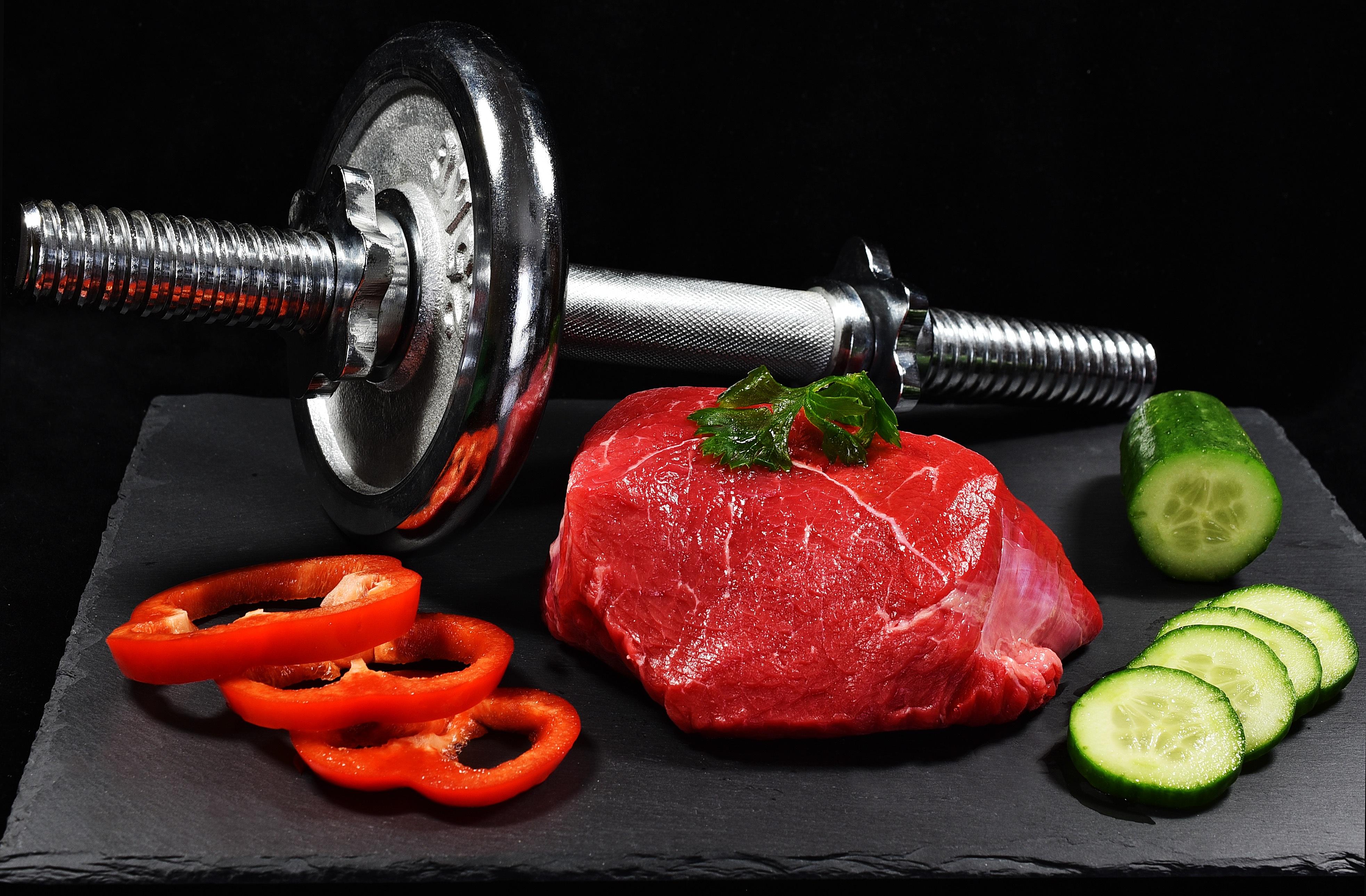 Як скласти план харчування для набору м'язової маси