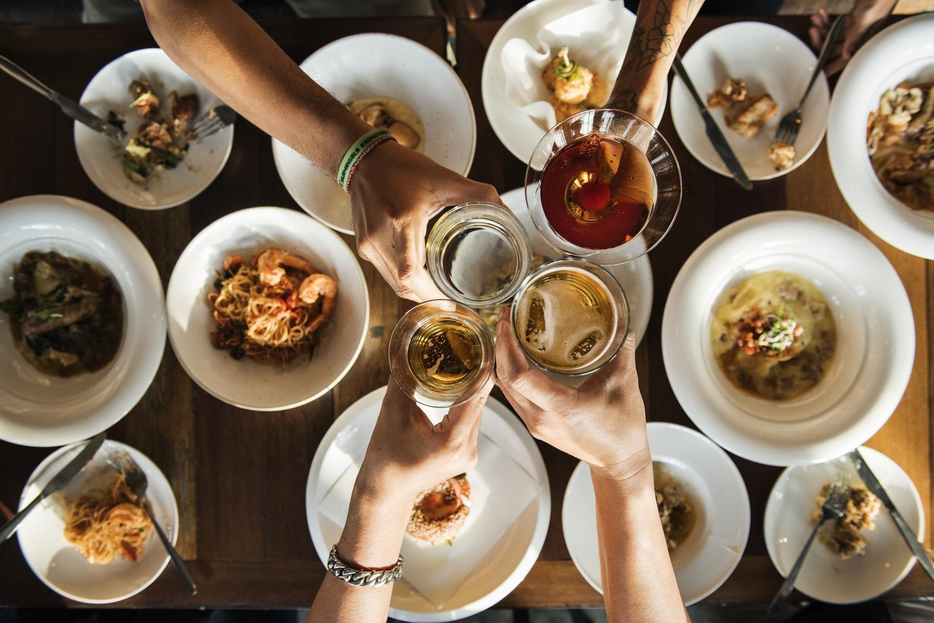 Як на свята є все, що хочеться: поради дієтолога