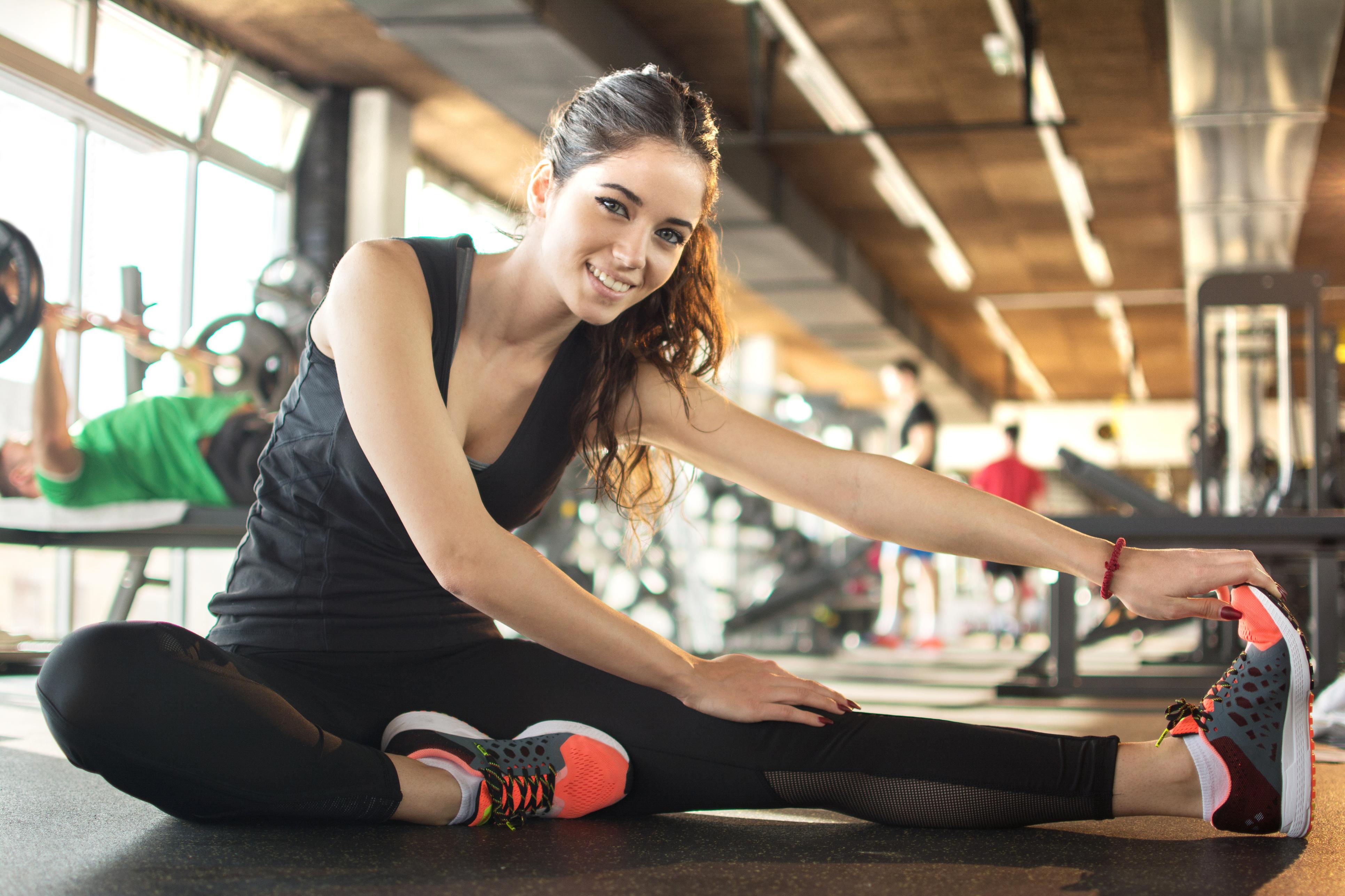 Як сісти на шпагат: вправи для поздовжньої і поперечної розтяжки