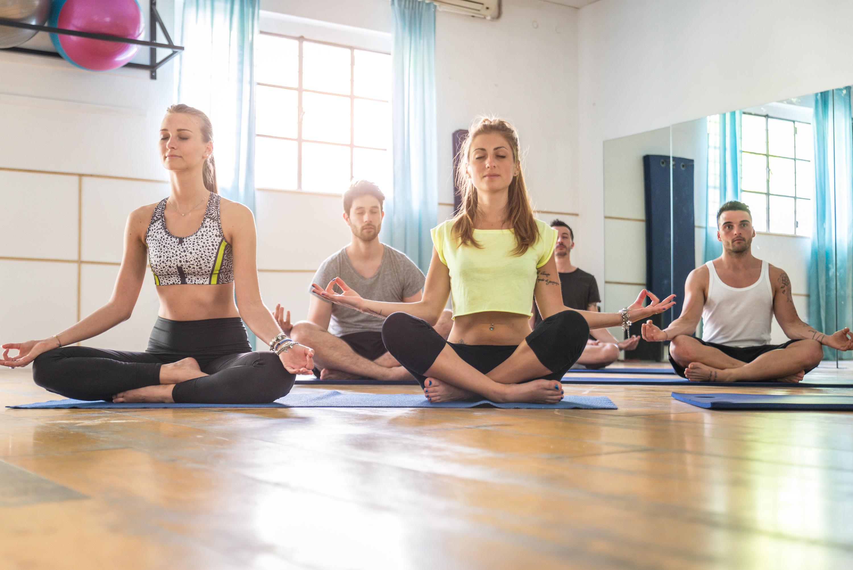 Що краще: 15 причин віддати перевагу спортзалу йогу