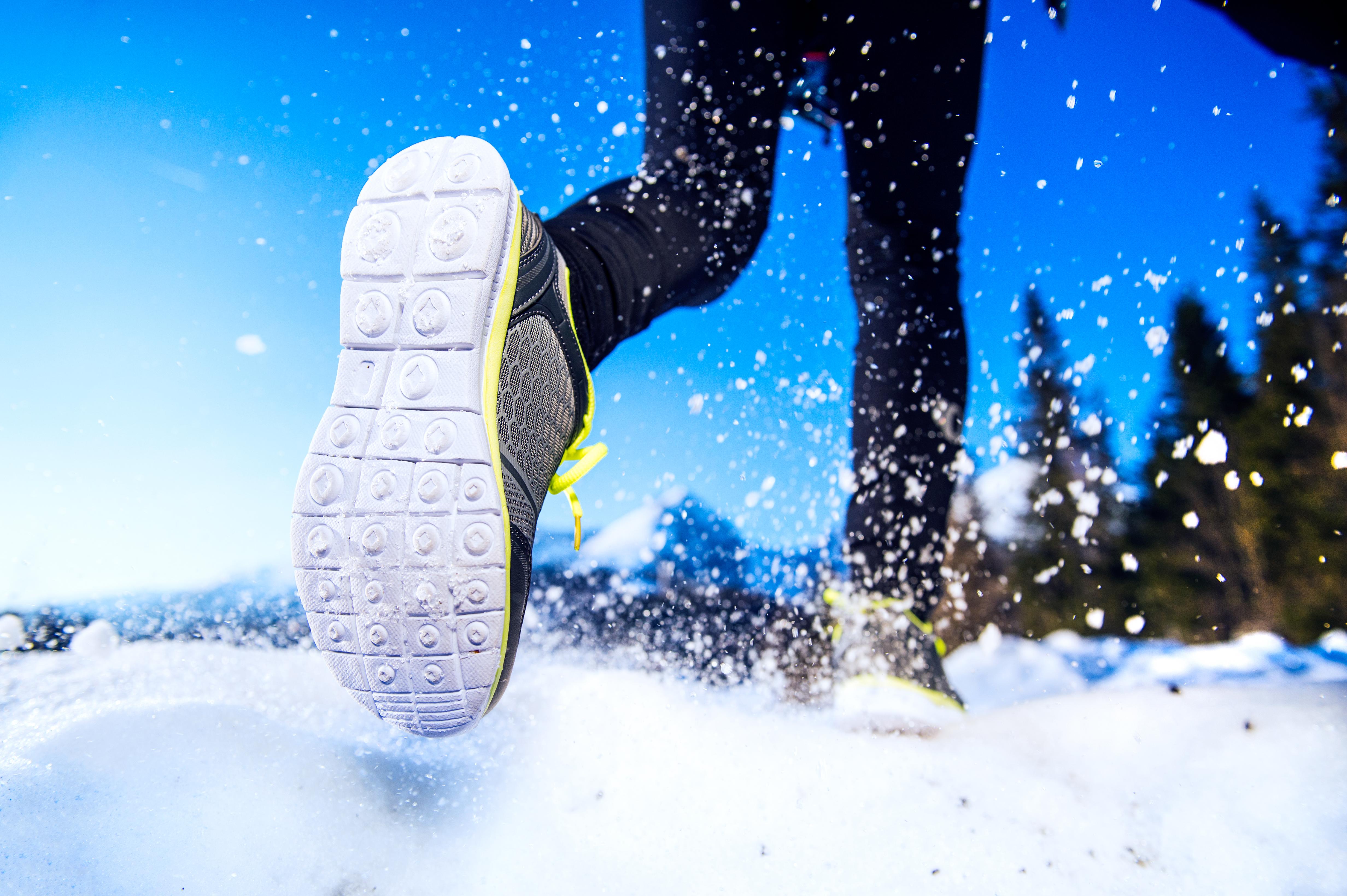 Як тренуватися в холодну пору року: головні поради від експертів