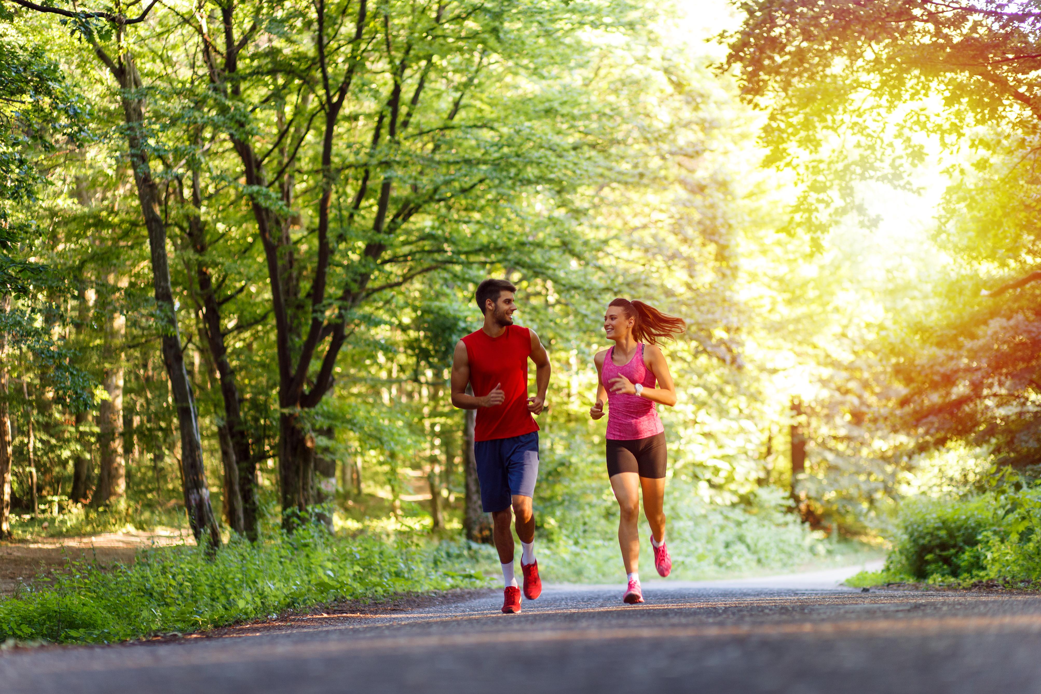 Як правильно дихати під час бігу: важлива техніка і поради