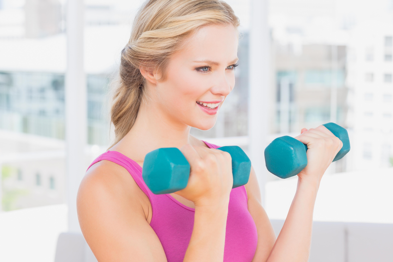 Вправи з гантелями для схуднення: спорт на всі групи м'язів
