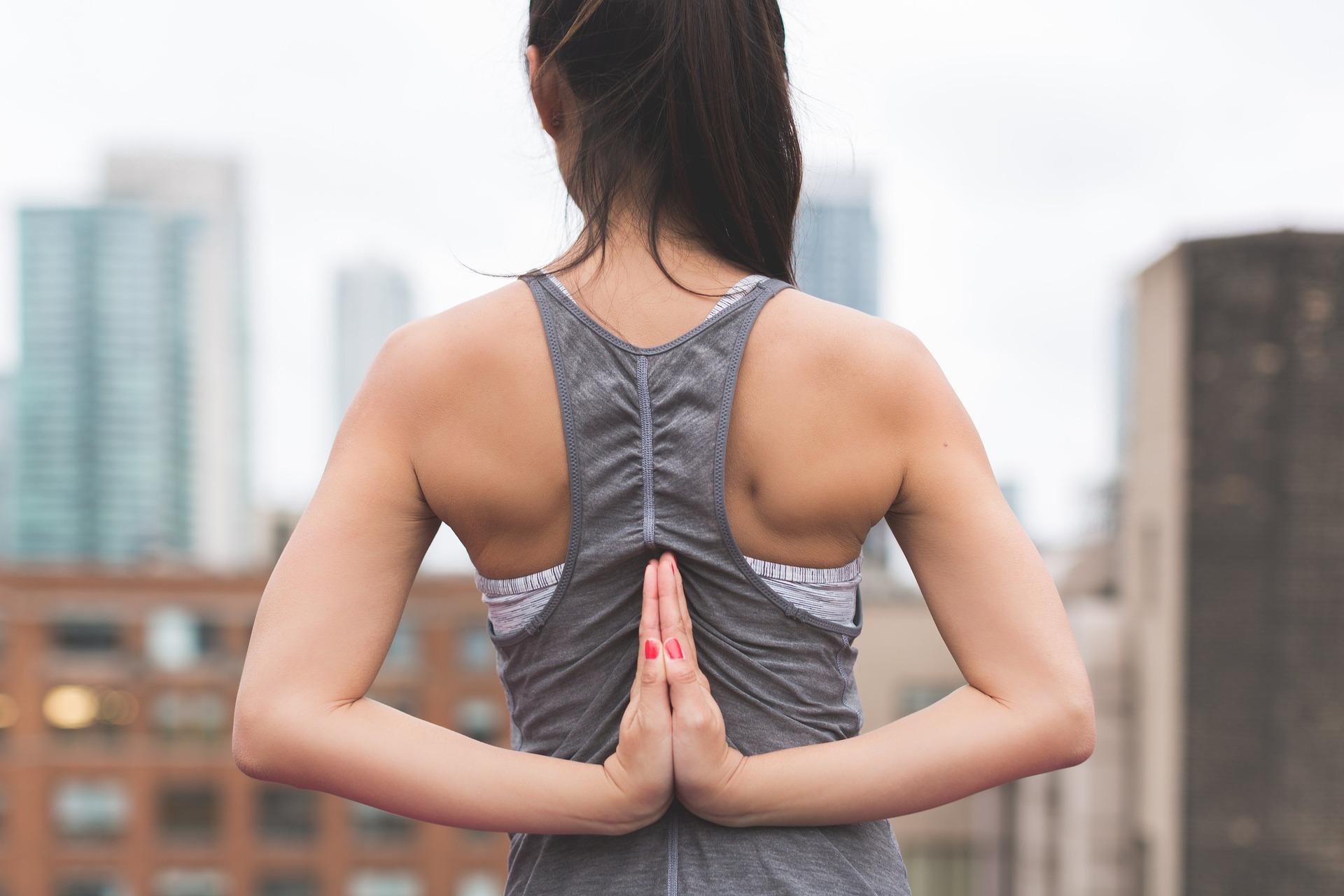 Йога для вагітних у першому триместрі: топ-6 поз