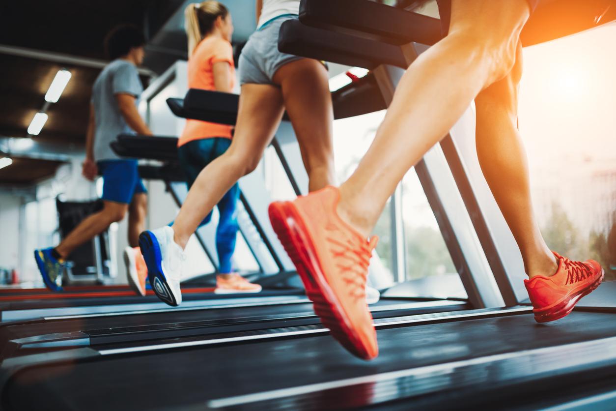 15-хвилинне тренування на біговій доріжці для спортивної фігури