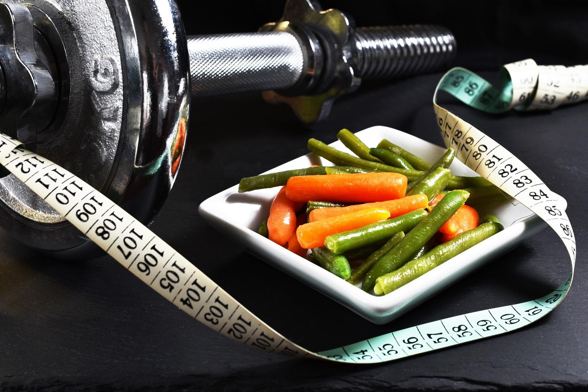 Через скільки часу після їжі можна тренуватися: гід по правильному розкладом