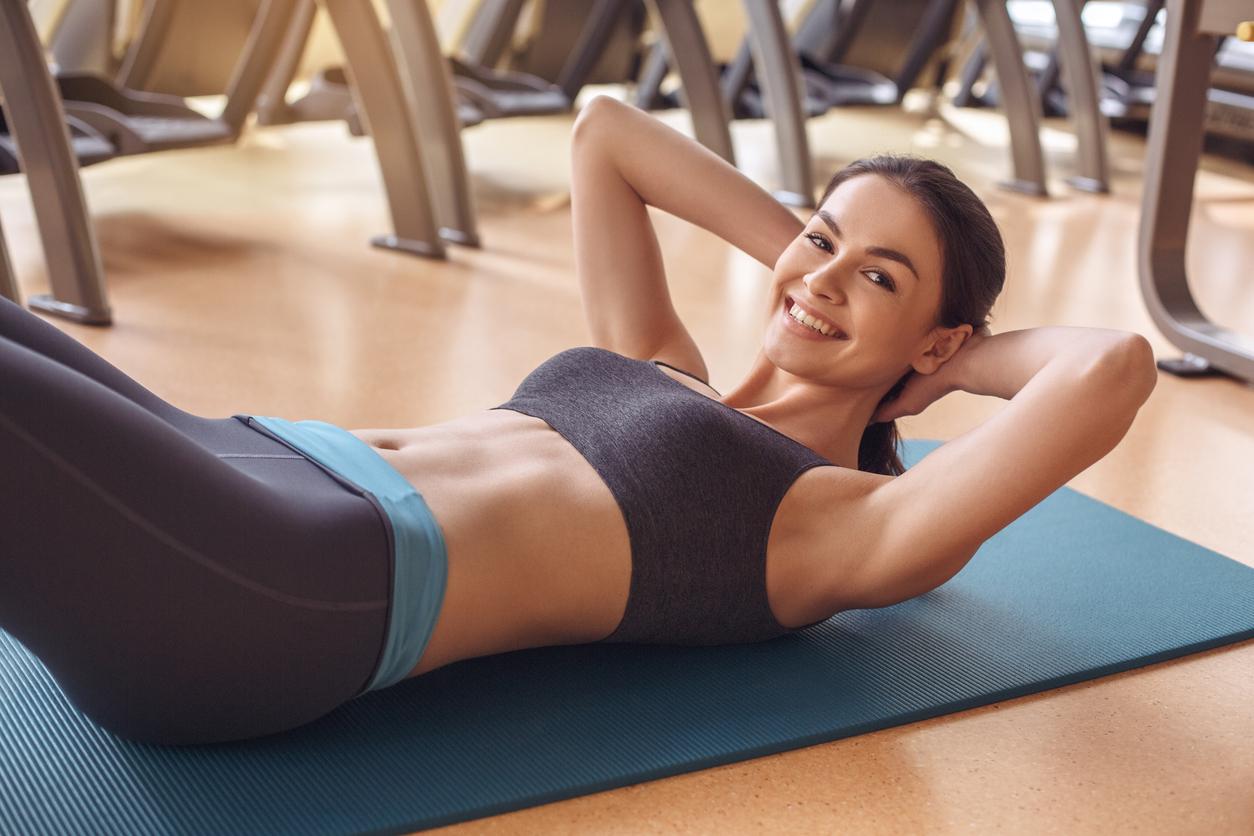 Що потрібно робити в спортзалі, щоб отримати плоский живіт