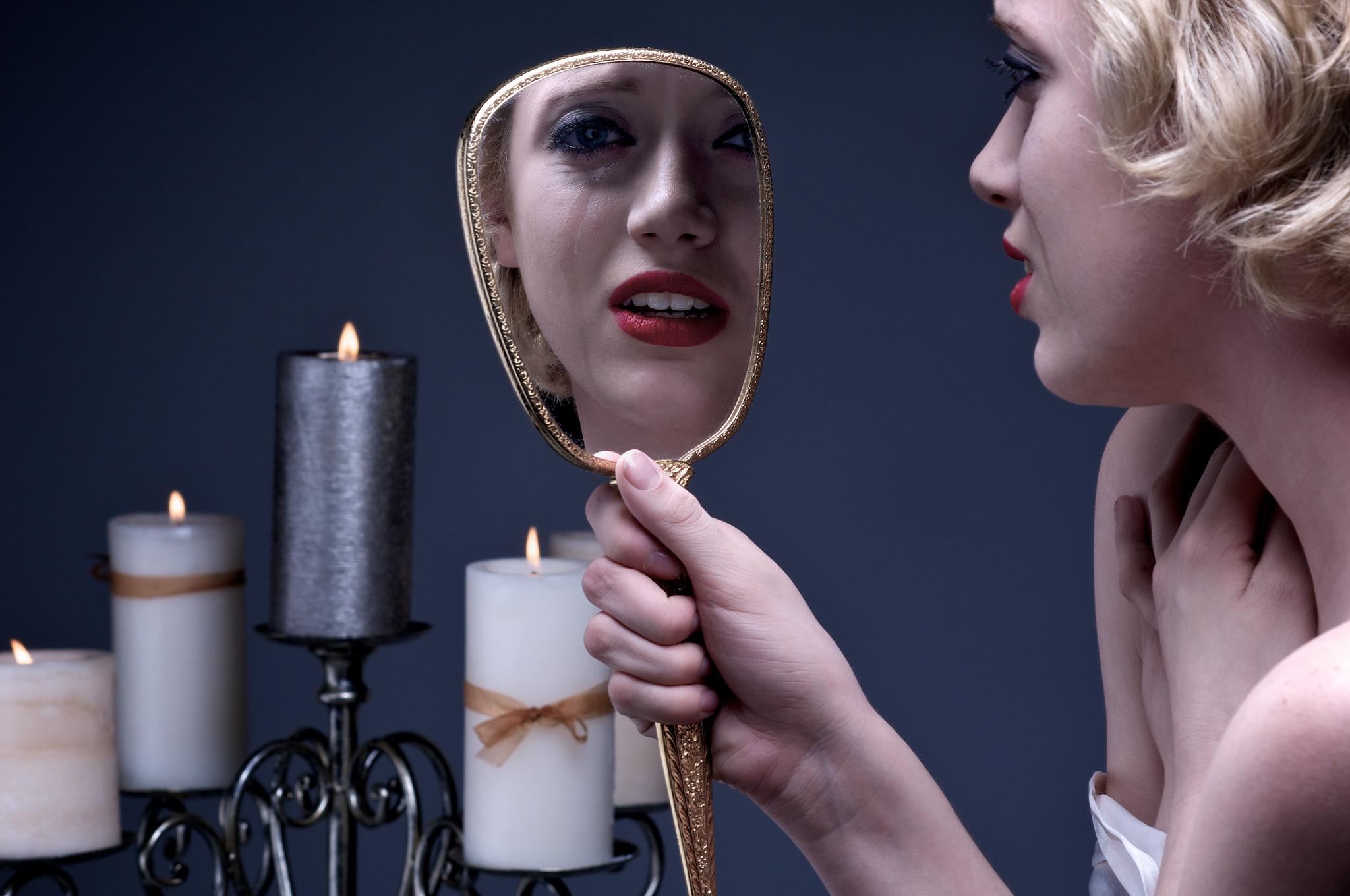 """Новинка техніки: """"голе"""" дзеркало, яке допоможе схуднути і підкачатися"""