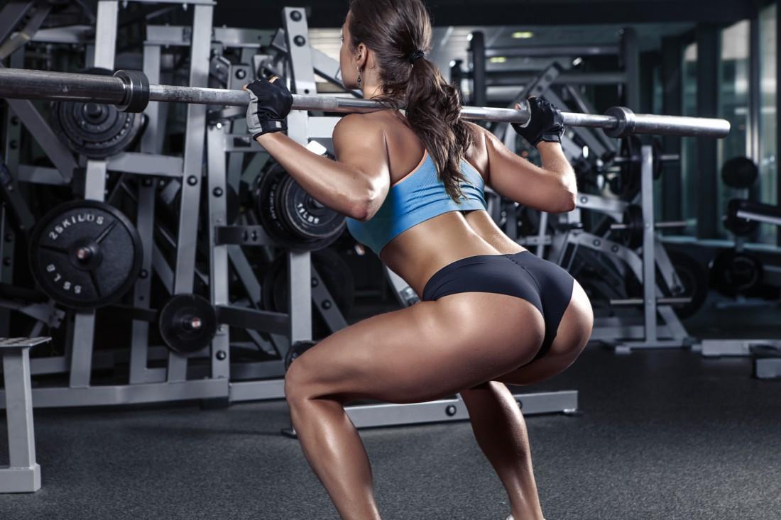 Ефективні вправи на сідниці, які корисно використовувати у залі