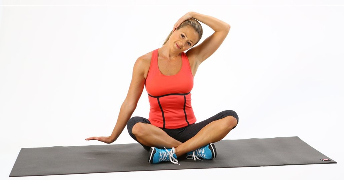 Легка 3-хвилинне тренування для розслаблення шиї і плечей на сидячій роботі
