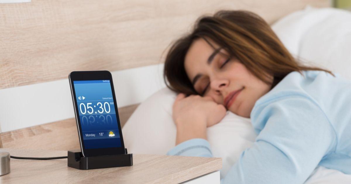 5 додатків, які допоможуть налагодити здоровий сон