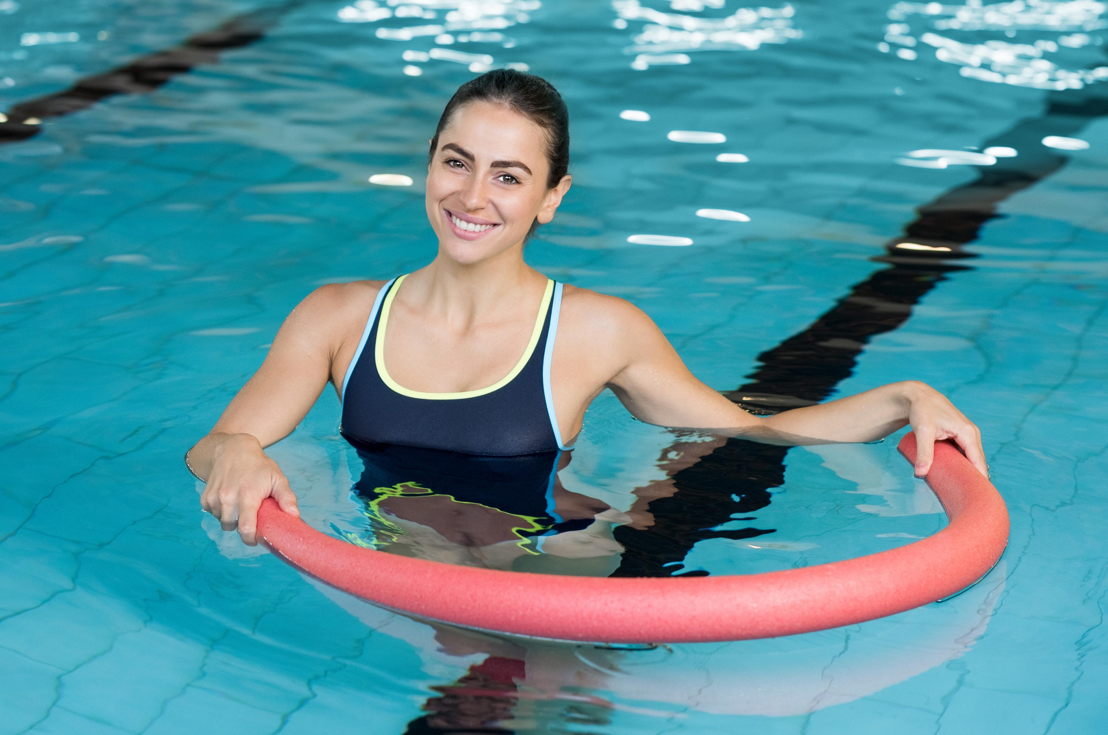 Вправи з аквааеробіки для новачків, які допомагають худнути