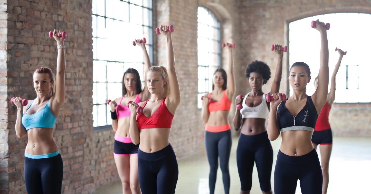 3 причини, чому варто тренуватися з гантелями