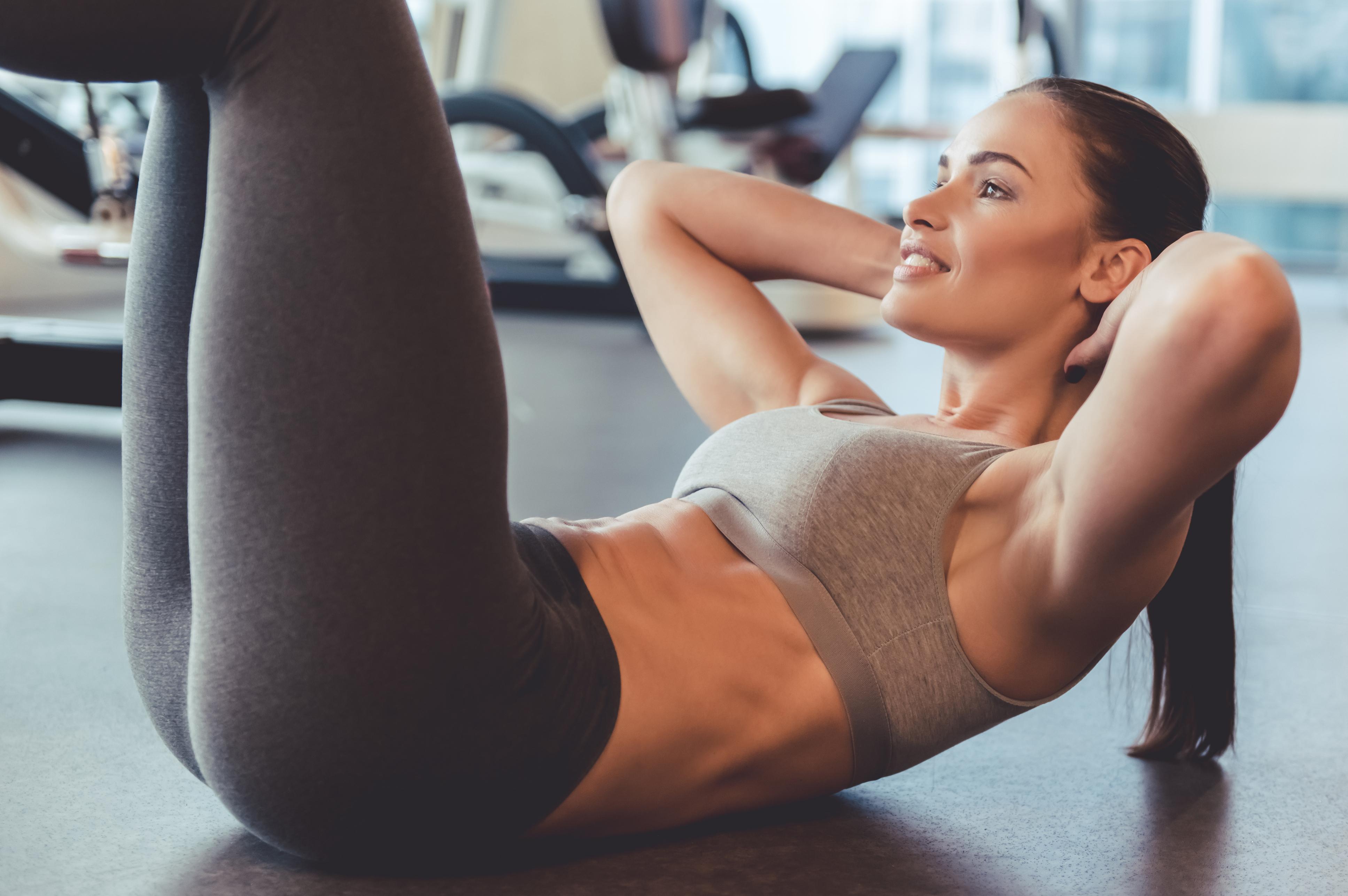 10 вправ на прямі м'язи живота