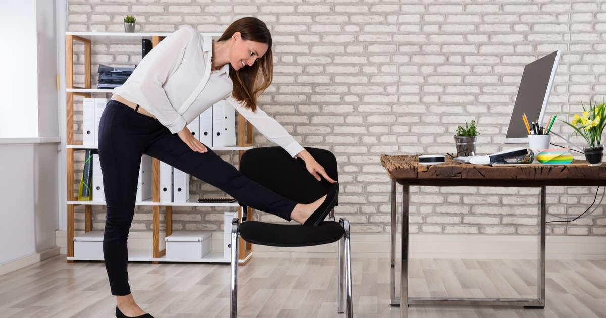 5 простих вправ, для яких потрібен тільки стілець