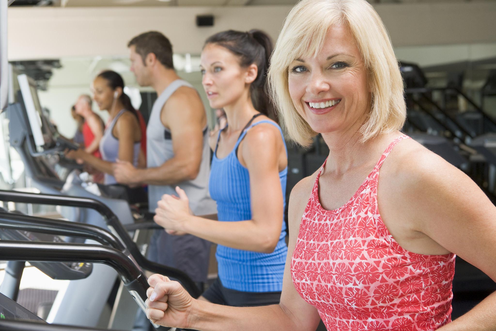 30-хвилинне тренування, яка переможе впертий жир на животі й боках