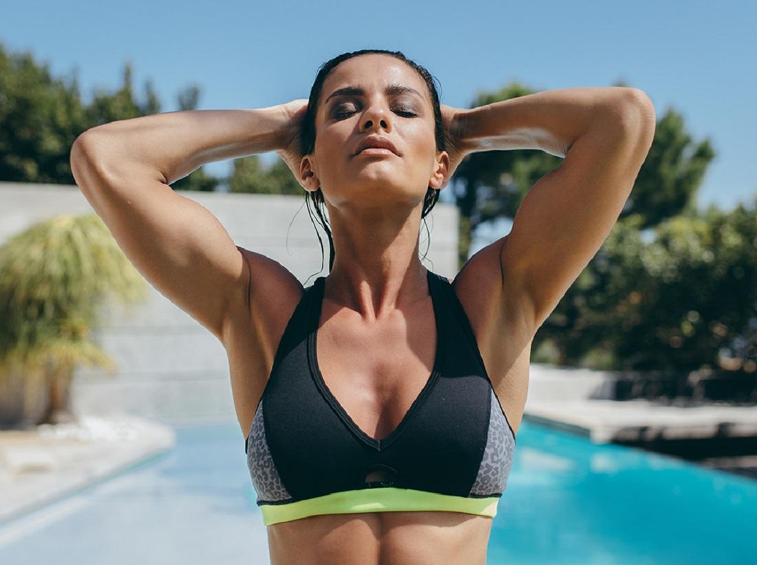 4 суперупражнения, які допоможуть підтягнути груди