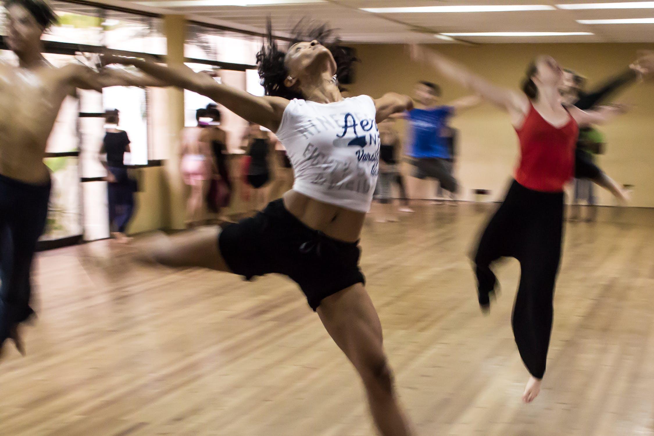 9 танцювальних рухів, з якими ви станете худіша