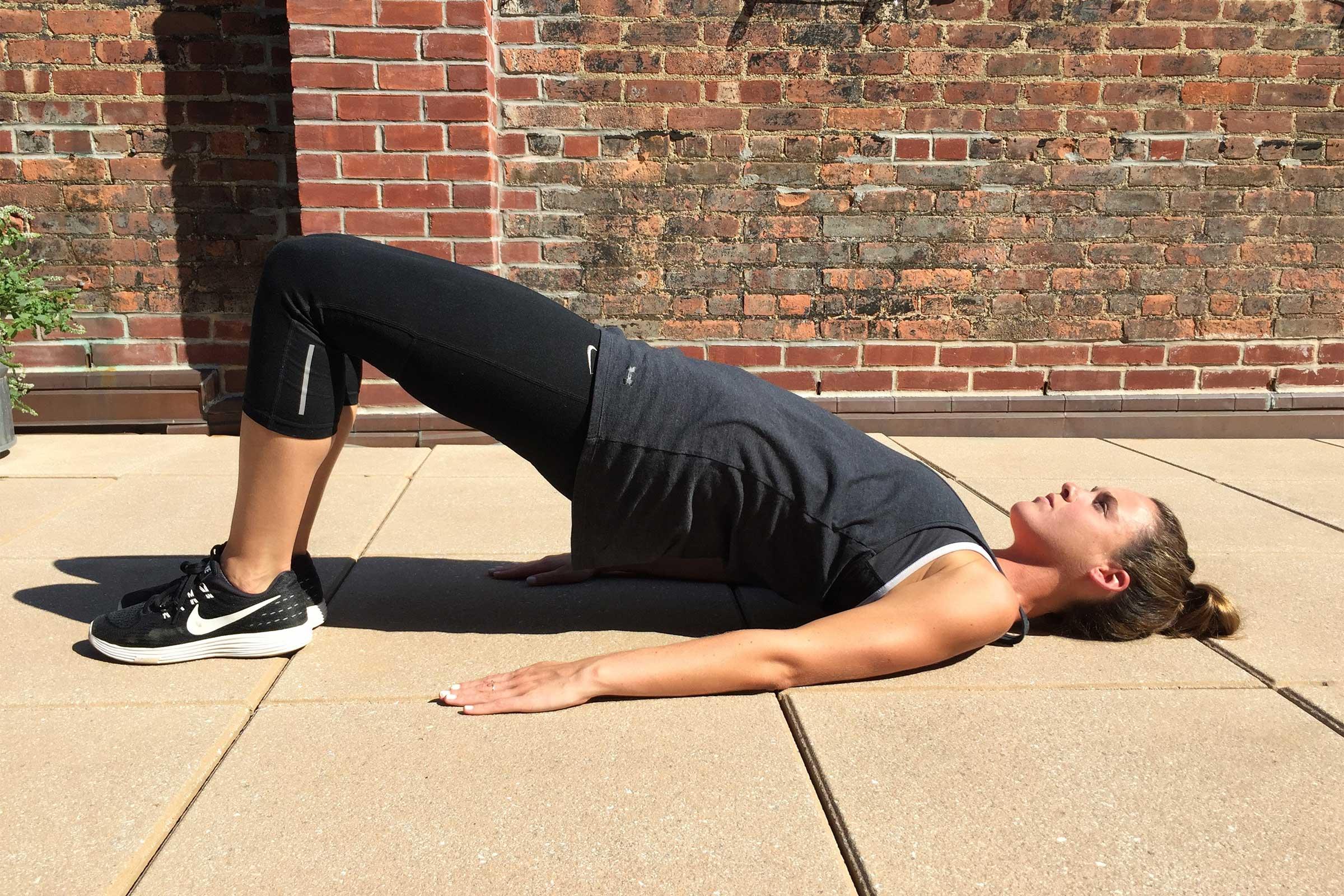 Перевірені вправи, які зроблять п'яту точку привабливішою