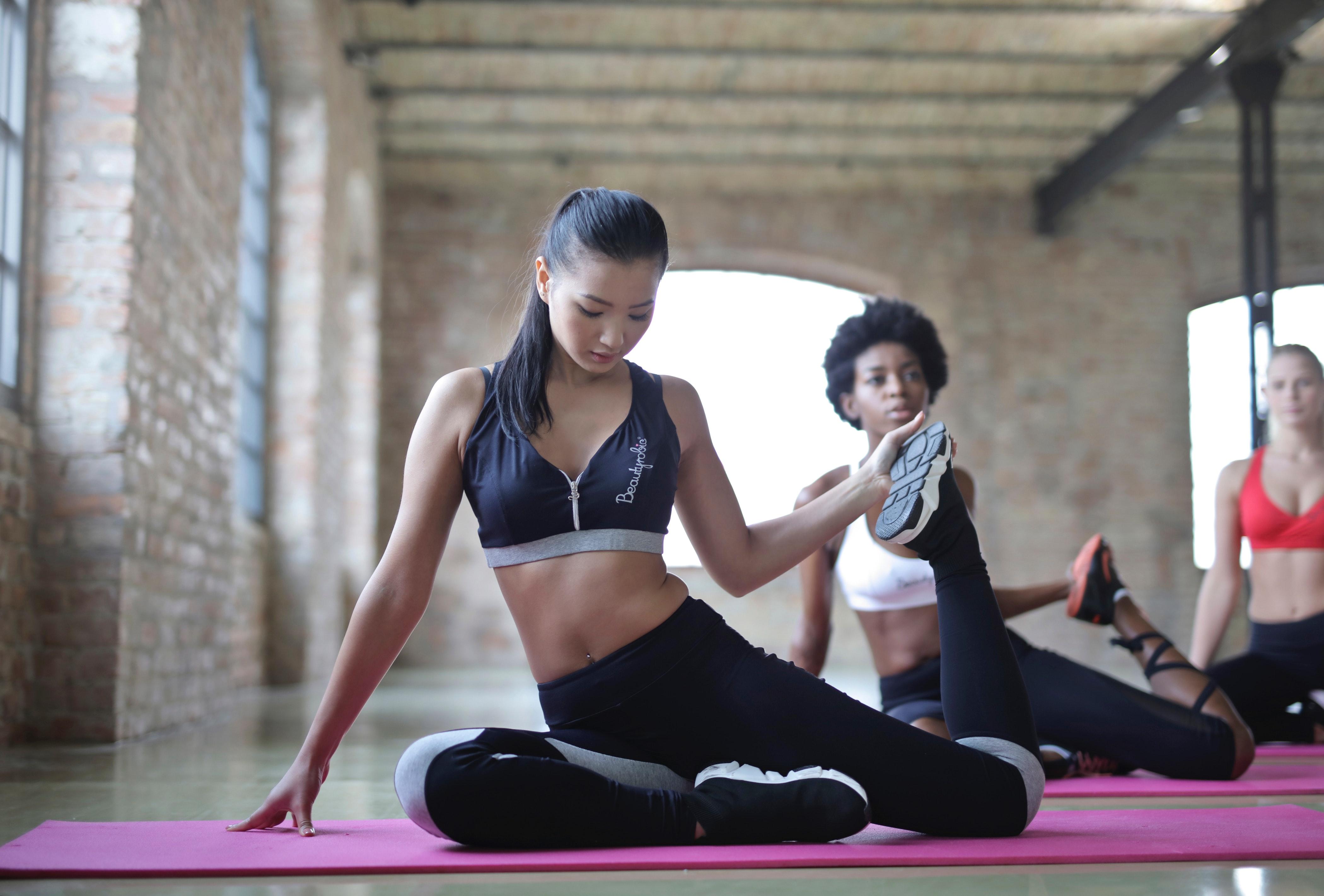 12 простих вправ для домашнього пілатесу